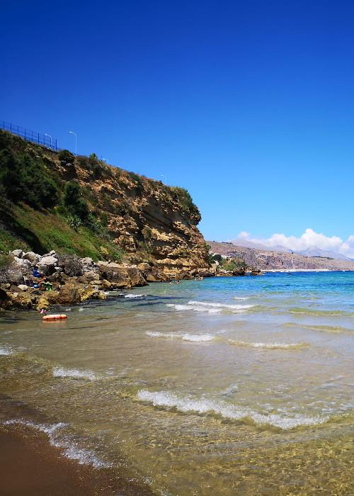 1   Vista mare con piscina nella riserva naturale dello Zingaro
